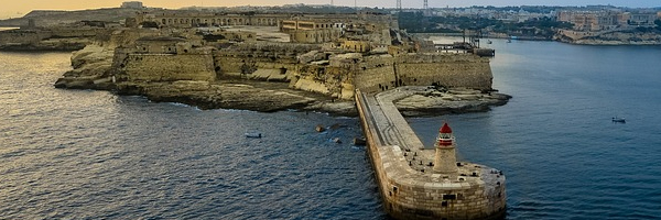 malta harbour malta harbour - 3 rumah sakit bersejarah teratas di malta untuk diperiksa